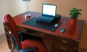 Antik íróasztal - ez is lehet hatékony.